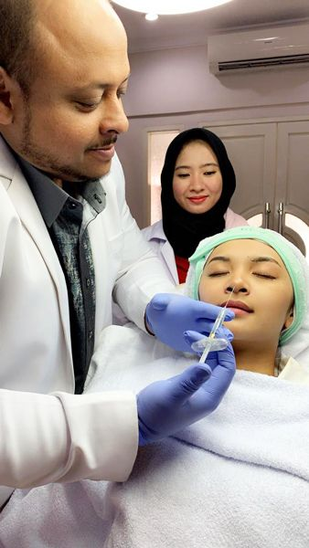 Dermafiller treatment by dr Aldjoefrie